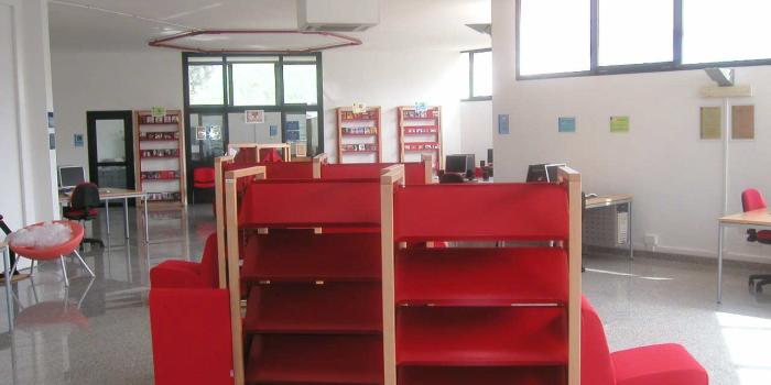 Tag arredo biblioteca for Arredi biblioteche